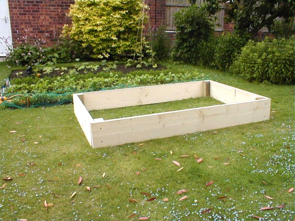 raised bed 1200 x 1800