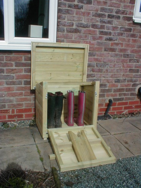 Outdoor Welly Store With Boot Puller
